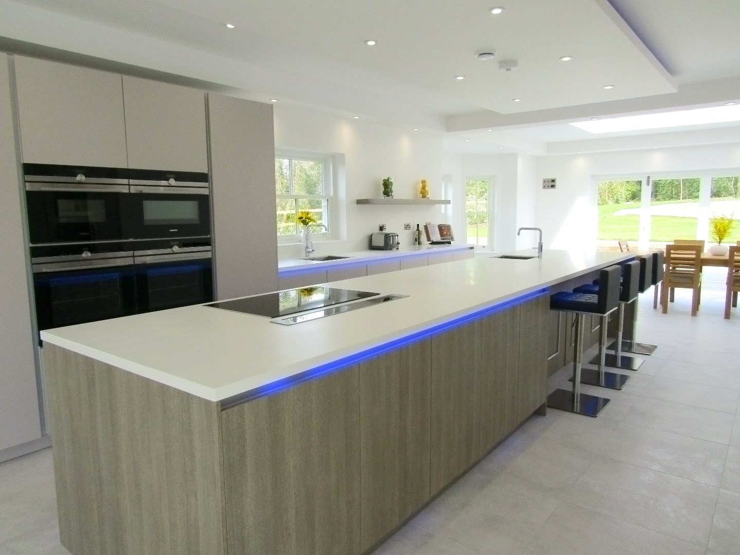 pitt hill house - winchester - handleless kitchen